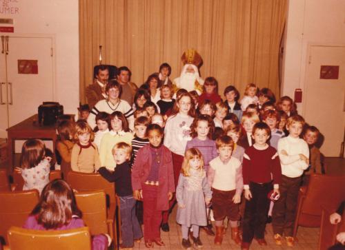 Le 6 decembre 1981 les enfants de chez helminger nancy fete st nicolas